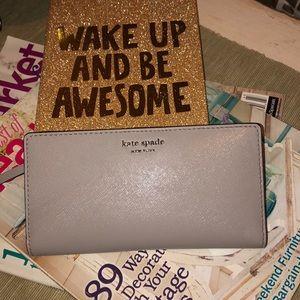 "NWT Kate Spade ♠️ lg slim bifold wallet ""Cameron"""